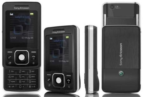 Sony Ericsson T303 Family Photo